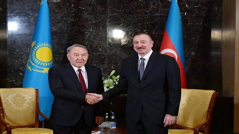 İlham Əliyev Nazarbayevə zəng etdi
