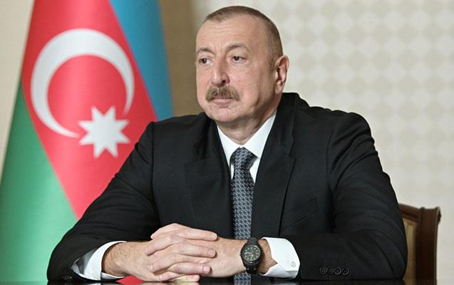 İlham Əliyev yeni səfiri qəbul etdi - FOTO