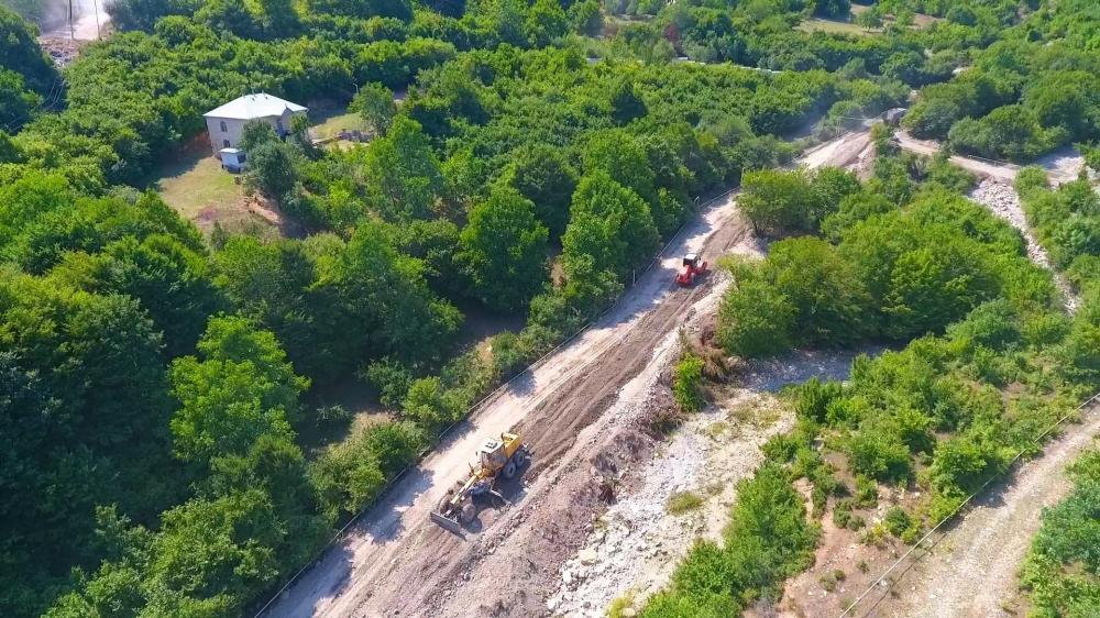 11 yaşayış məntəqəsini birləşdirən yeni yol tikilir (FOTO)