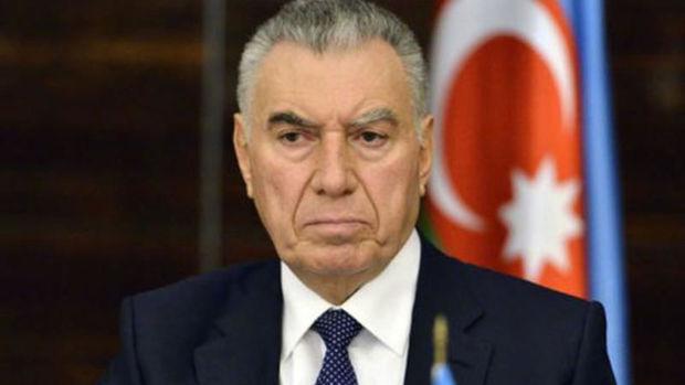 Vilayət Eyvazov Əli Həsənovun oğlunu İŞDƏN ÇIXARDI