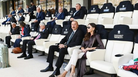 İlham Əliyev və Mehriban Əliyeva Uels-İsveçrə matçına baxıblar - FOTO