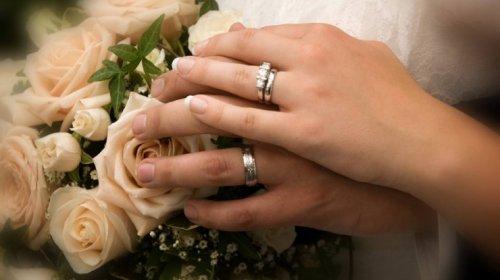 Azərbaycanlı aparıcı bu gün evlənir - FOTO