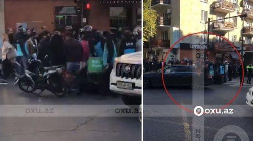 Bakıda avtomobil ilə motosiklet toqquşdu - VİDEO